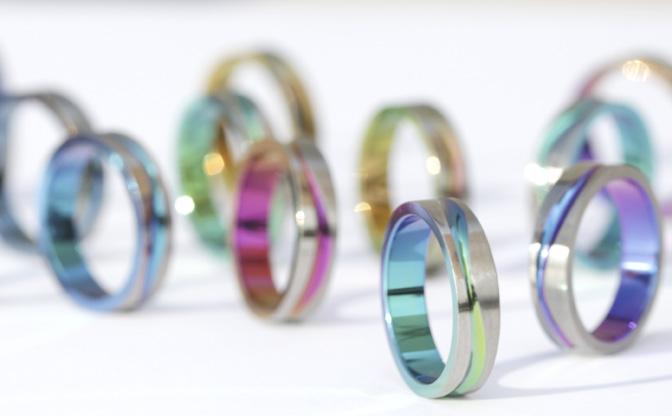 最近話題のカラフル結婚指輪!】...