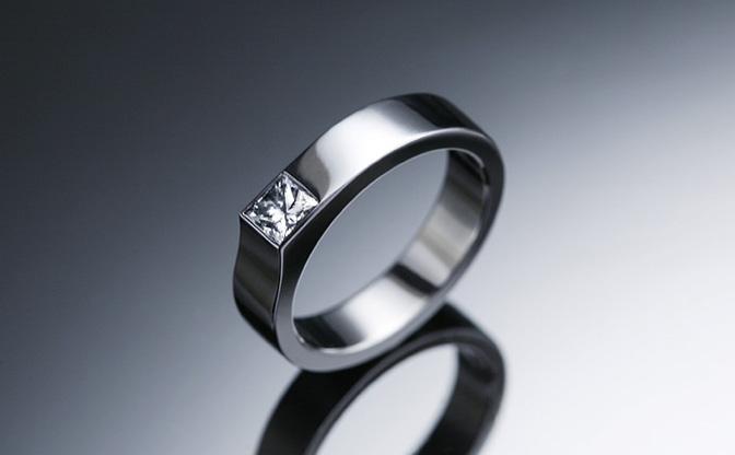 金属アレルギーが起こりにくい素材の婚約指輪 | 結婚指輪のオーダー ...